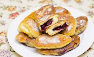 Пирожки на кефире жареные на сковороде – 8 быстрых и вкусных рецептов с фото пошагово