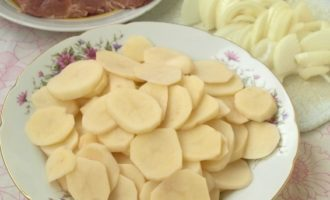 Мясо по-французски с картошкой в духовке - 9 рецептов с фото пошагово