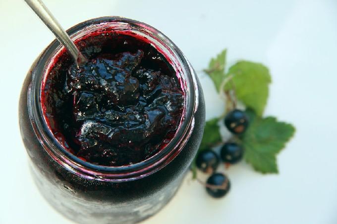 Как сварить варенье из черной смородины на зиму? Простые рецепты густого варенья- лучшие рецепты
