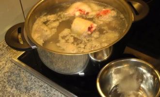 Холодец из свиных ножек, рульки и говядины