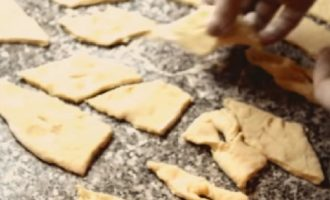 Хворост — 10 рецептов сладости из детства