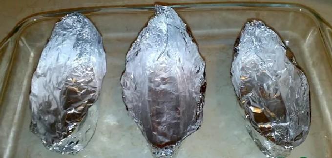 Грудка индейки под сыром в духовке