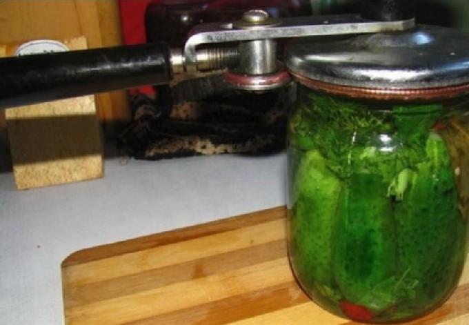 Огурцы трехкратной заливки на зиму: пошаговый рецепт маринования, хранение