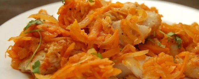 Минтай в духовке с морковью и луком