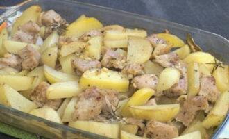 Индейка с картошкой: рецепт в духовке